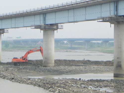 삽질 당한 4대강, 22조원 퍼부어 생태계 파괴 5
