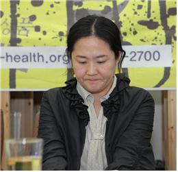 소중한 태아 둘을 하늘나라로 보낸 가습기 살균제 피해가족 권민정 주부. ⓒ 환경보건시민센터