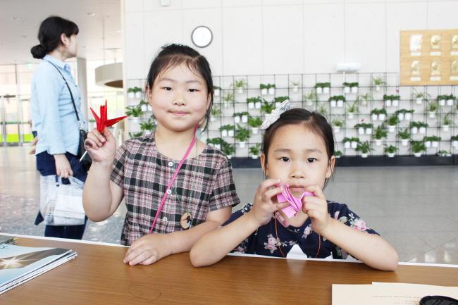 환경연합 부스에 참여 중인 시민들 ⓒ 환경운동연합 김현경