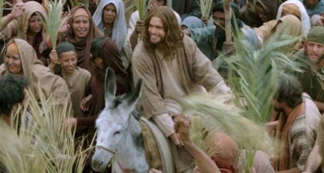 나귀로 타고 오신 예수