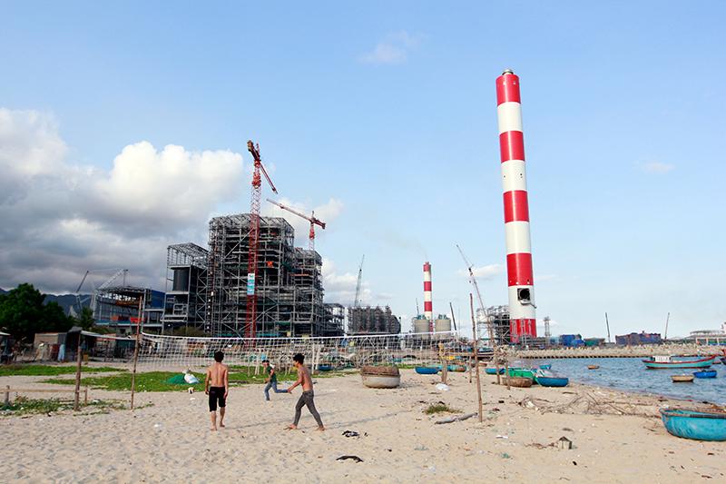 베트남 빈탄 주민들에게 석탄화력발전소는 재앙이다. 이 석탄화력발전소는 두산중공업이 한국수출입은행과 무역보험공사의 자금을 지원 받아 건설했다