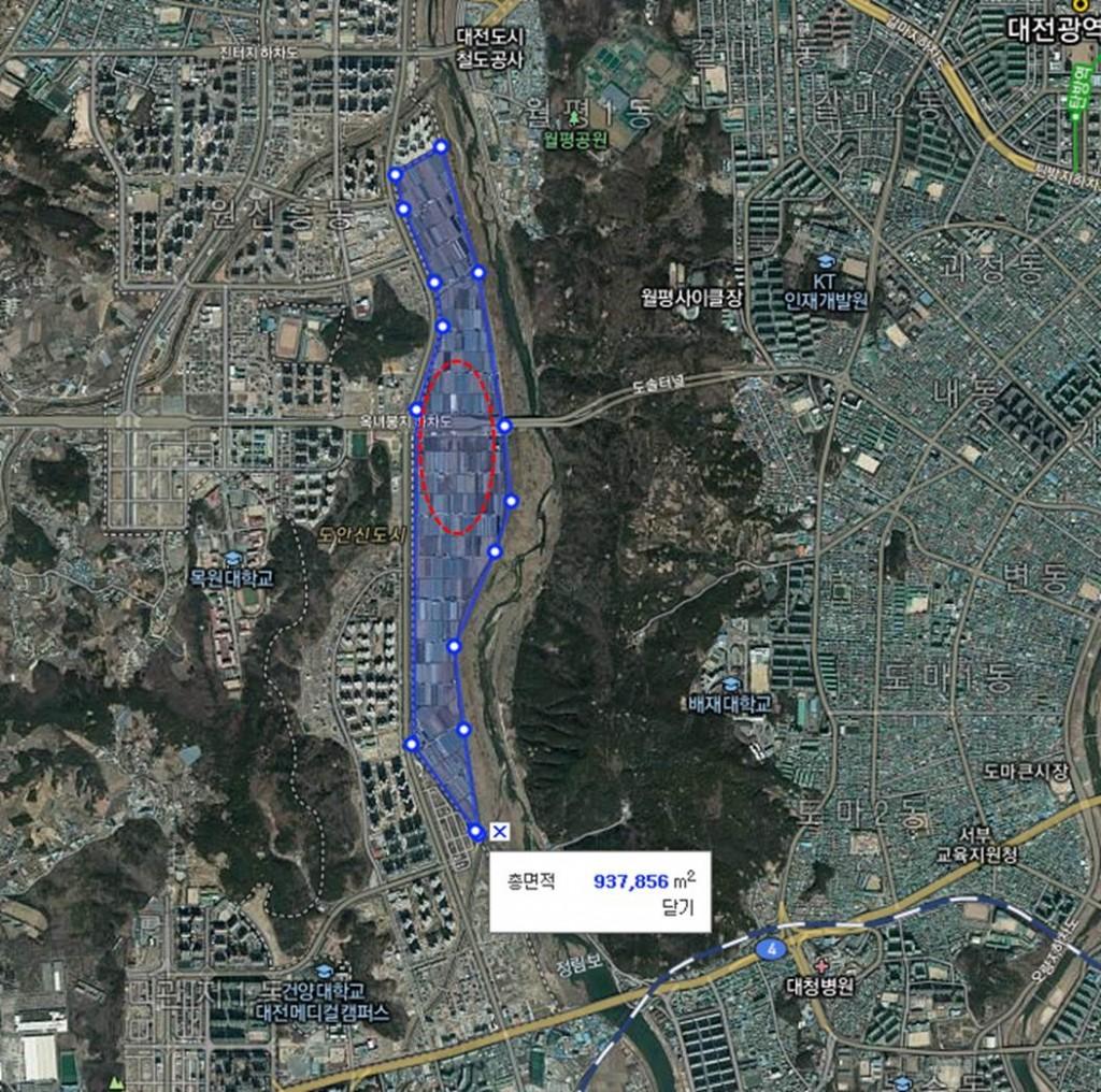 ▲ 비둘기조롱이 관찰지역 파란선내가 개발예정부이지며 붉은색점선이 비둘기조롱이 관찰지역이다. ⓒ이경호(다음지도)