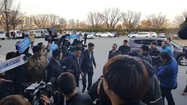 이번 국정농단 사태의 배후 김기춘 전 비서실장이 국정조사에 출석하고 있다 ©환경운동연합