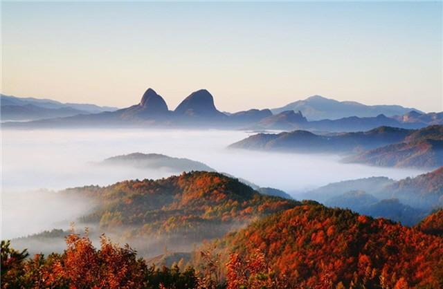 진안 고원에 우뚝 솟은 마이산 (출처 : 진안군 페이스북)