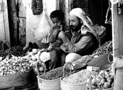 예멘 모카항에서 커피를 팔고 있는 상인 (출처:카페비미)