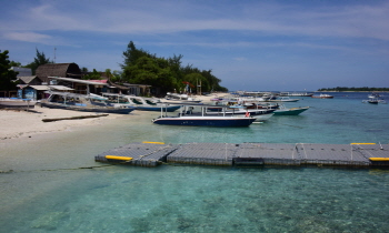 sss사본 -서북부 작은섬(gili)의 흰모래해변