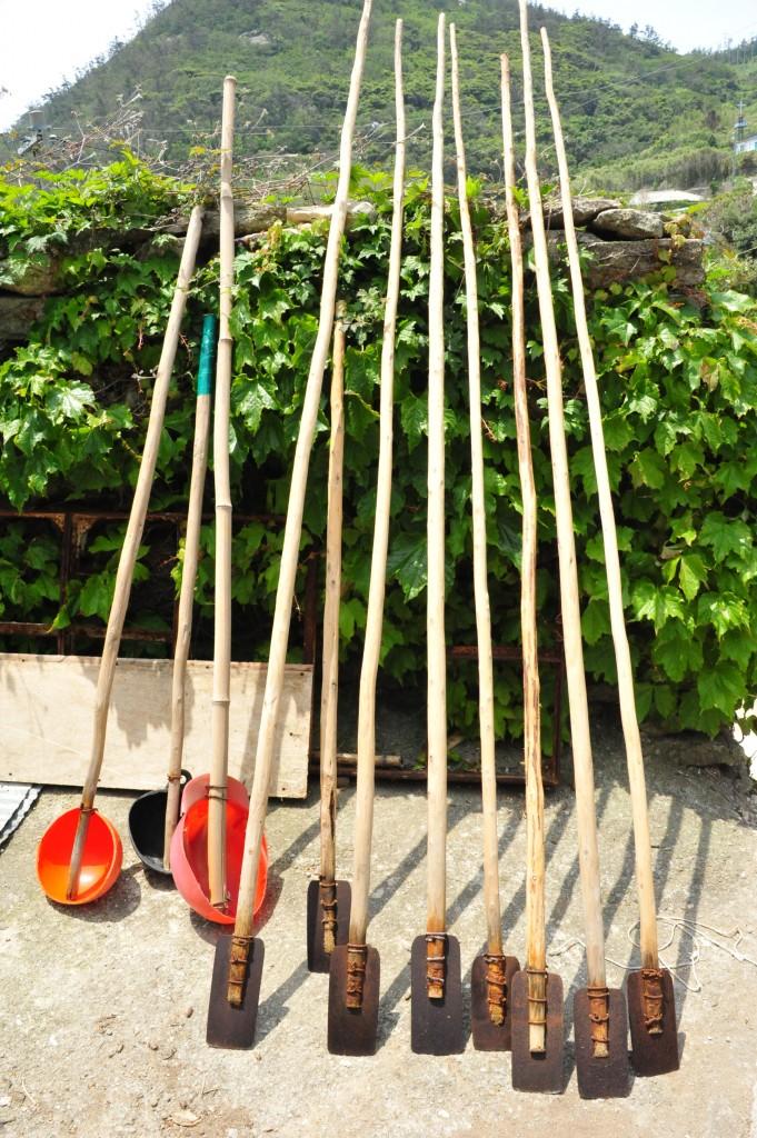 독거도의 미역밭 개딱기와 물주기 도구 ⓒ홍선기