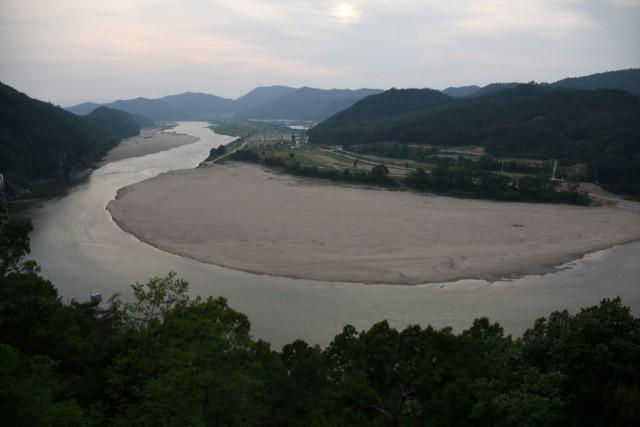 낙동강에서 마지막 남은 모래톱. 재자연화를 통해 되살려야 할 낙동강이다. 이러한 경관까지 되살려야 한다. ⓒ 대구환경연합 정수근