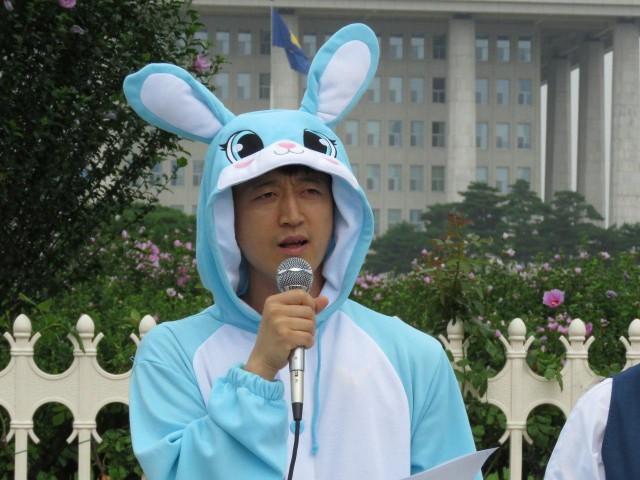 청년당(준) 김수근 공동준비위원장이 발언하고 있다. ©환경운동연합