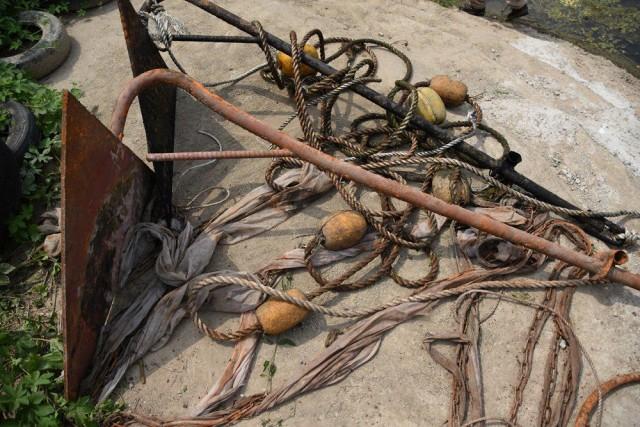 강바닥에 방치됐던 앵커가 올라온다. 18개 앵커가 더 있다 한다. ⓒ 정수근