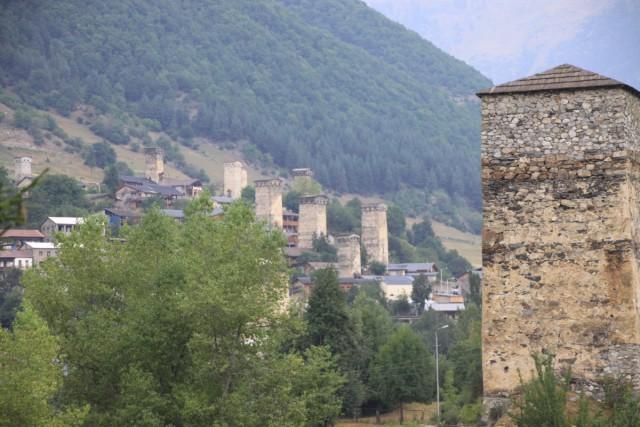 조지아 스바네티 타워 산악지역으로 둘러쌓인 스바네티 지역의 스반인은 독특한 고유 문화를 형성하고 있다ⓒ 이철재