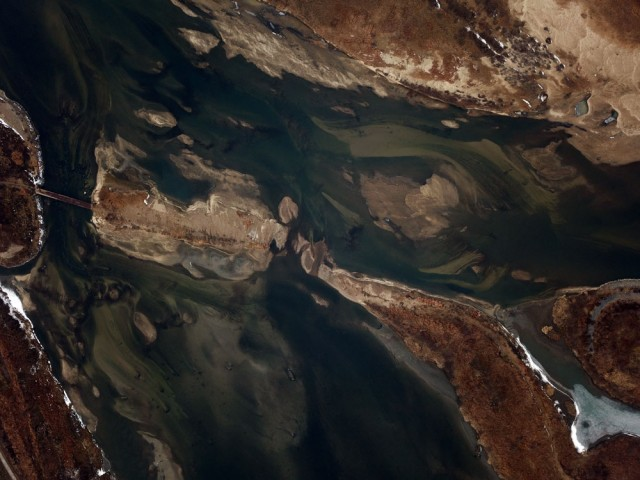 세종보의 수위가 낮아지면서 상류에서 쉼 없이 모래가 밀려들고 있다. 금강과 미호천이 만나는 합강리.ⓒ김종술기자