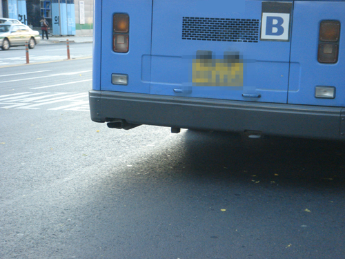 ▲ 대기오염물질과 발암물질로 간주되는 포름알데히드의 배출은 시민의 건강을 위협한다. 천연가스버스의 배출허용기준을 다시 마련해야 한다.ⓒ 이성조