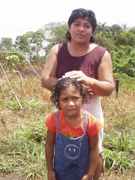 딸과 함께 한 지역주민.